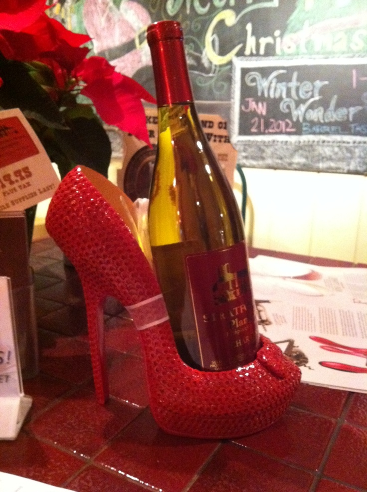 A shoe wine holder