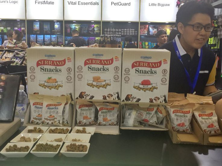 The Asian market opens its doors to Mediterranean Natural : our semi-moist snacks and food for dogs have had an excellent reception for their quality. After holding Pet Fair Asia , we continue our global expansion / dog treats