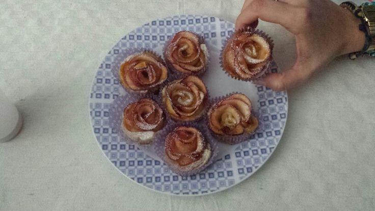 Apple roses ! #cinnamon #apple #roses #pastasfoglia #mele