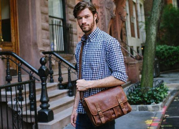 Męskie torby na ramię jako dodatek do męskiej stylizacji