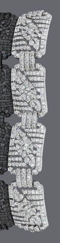 Henri Lyon - An Art Deco diamond bracelet, French, circa 1920. With an estimated total diamond weight of 23.20 carats, mounted in platinum. #HenriLyon #ArtDeco