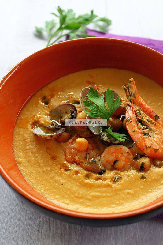 Vellutata di ceci con vongole e mazzancolle/Cream of chickpeas with clams and prawns