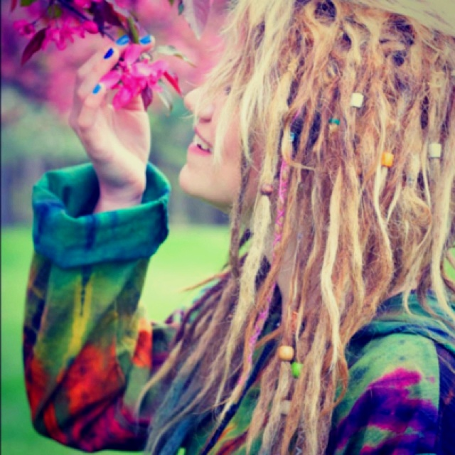 .: Long Hair Style, That Girls, Festivals Style, Hippie, Flowers Children, Dreads, Ties Dyes, Beads, Rasta Hair