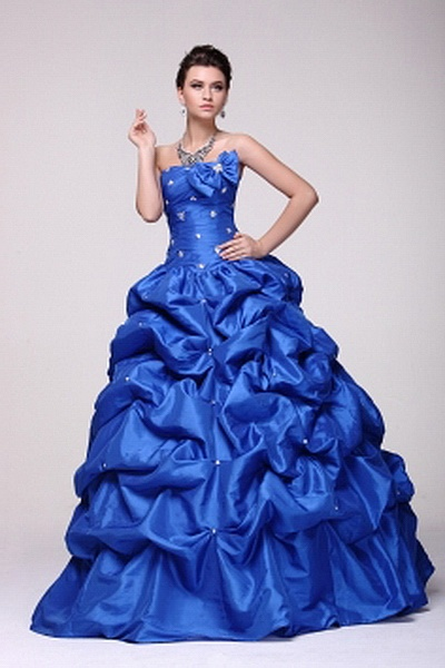 Classic Strapless Ball Gown Celebrity Gown wr2221 - http://www.weddingrobe.co.uk/classic-strapless-ball-gown-celebrity-gown-wr2221.html - NECKLINE: Strapless. FABRIC: Taffeta. SLEEVE: Sleeveless. COLOR: Blue. SILHOUETTE: Ball Gown. - 154.59