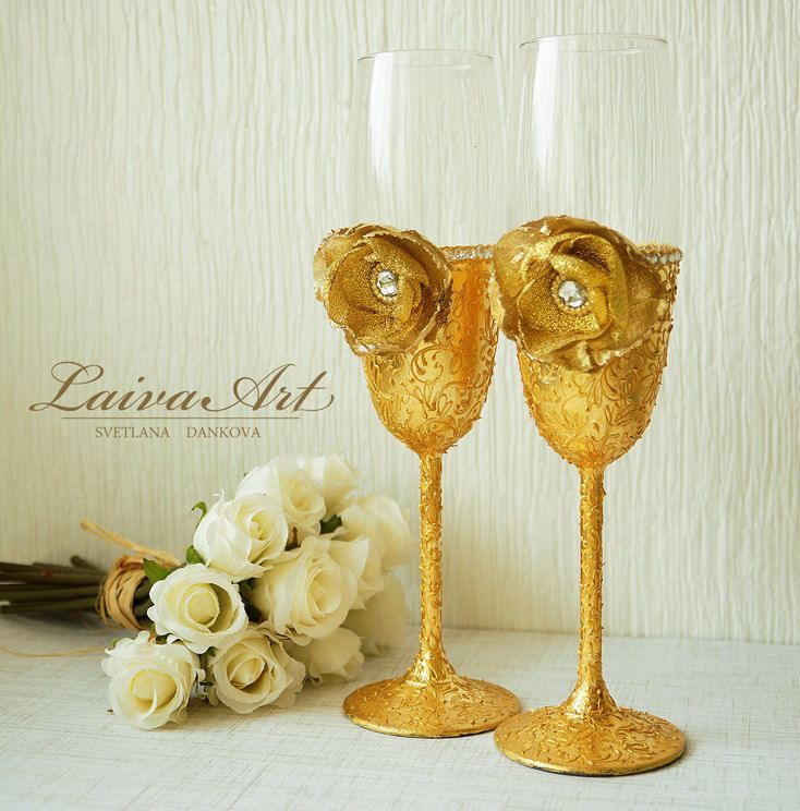 Wedding / Champagne Flutes / Wedding Glass / Gold  - pinned by pin4etsy.com