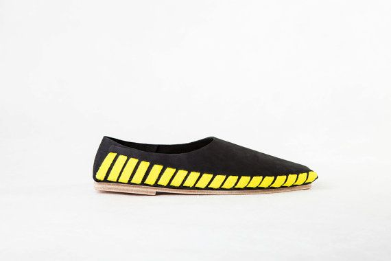 Pikkpack Flat-Packed Leather Shoes / Black-Yellow Kit by Pikkpack