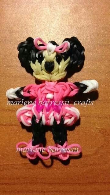 MINNIE MOUSE. Designed and loomed by Marlene Barressii of MarloomZ Creations on the Rainbow Loom. Click photo for YouTube tutorial.