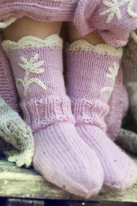 Tytön neulesukat Novita 7 Veljestä | Novita knits