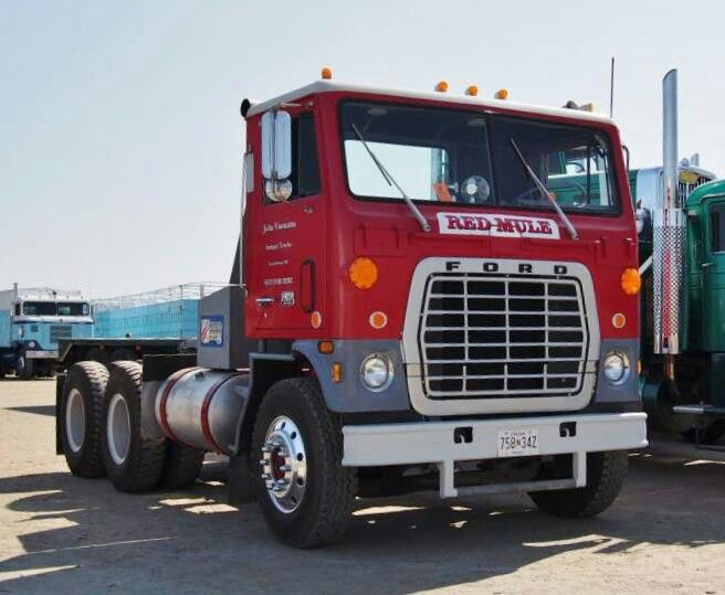 Ford W9000 series - now I know about the famous Blue Mule, but never heard of the Red Mule. I always liked the improved W series tractors with less boxy lines and reconfigured grill.