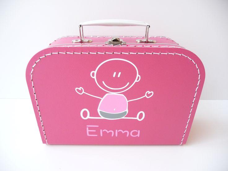 Koffertje met naam en baby. Erg leuk kraamkado, kraamkoffertje