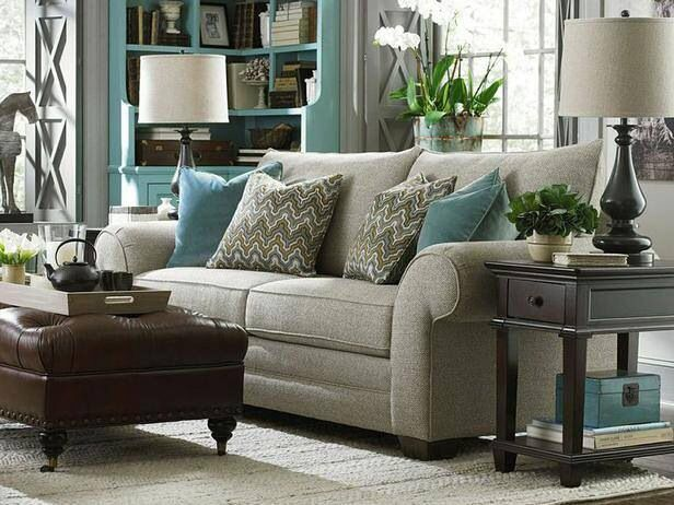 Neutral living room with light blue accents living room for Accent colors for neutral rooms