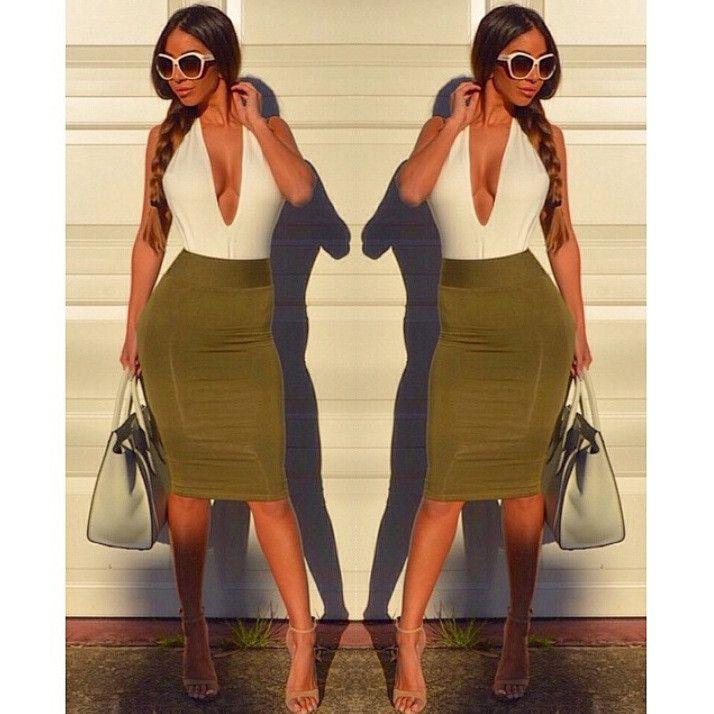Deep V-neck Backless Sheath Bodycon Knee Length Dress