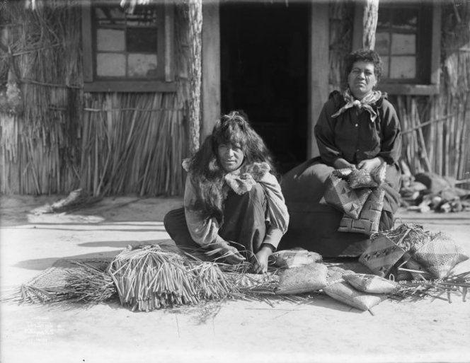 Maori women weaving kete Maori women weaving kete. Birch, A E :Scenic negatives and prints taken by Thomas Pringle. Ref: 1/1-007008-G. Alexander Turnbull Library, Wellington, New Zealand. http://natlib.govt.nz/records/22836083  Maori women weaving kete. Birch, A E :Scenic negatives and prints taken by Thomas Pringle. Ref: 1/1-007008-G. Alexander Turnbull Library, Wellington, New Zealand. http://natlib.govt.nz/records/22836083