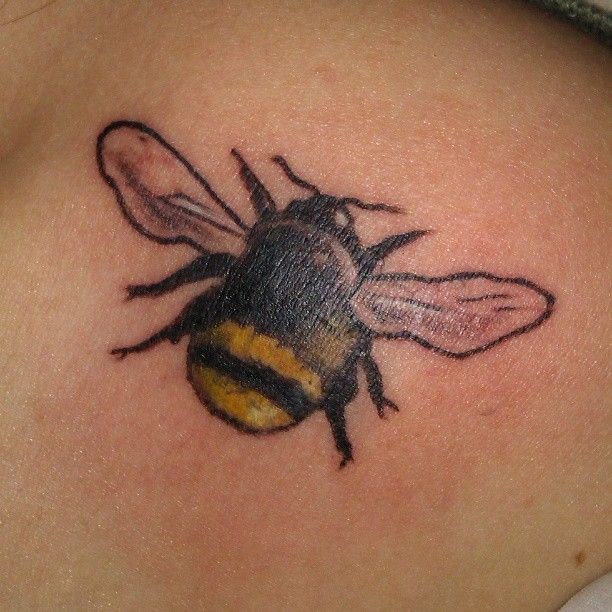 ... through bee tattoo design bee on strawberry tattoo design bee outline