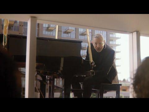 2016 Super Bowl 50: Apartments.com #ApartmentsCom, #JeffGoldblum, #RPA