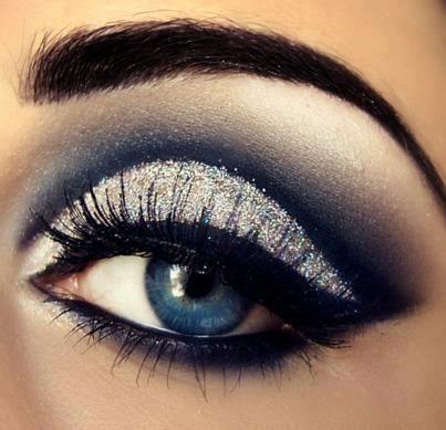white, silver, blue, and black smoky eye for blue eyes eyeshadow highlight