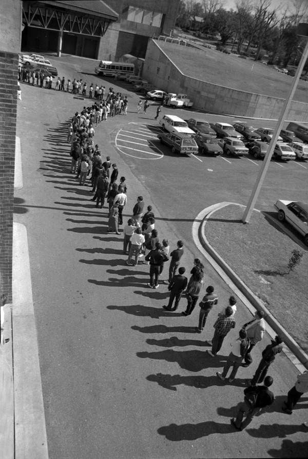 #1986: Florida State University students in Tallahassee, Florida, line up outside Civic Center to get their red measles immunization shots to avoid spread of the highly contagious disease. #throwbackthursday #tbt  #FLHealth125 @Florida Memory