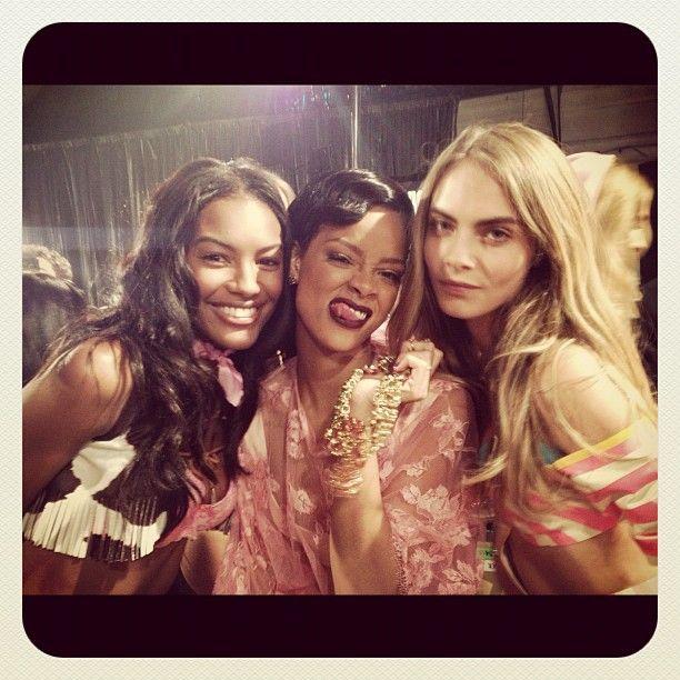 #Rihanna is in tha HOUSE!!!! #VSFashionShow! 2012! She rocks!!!!