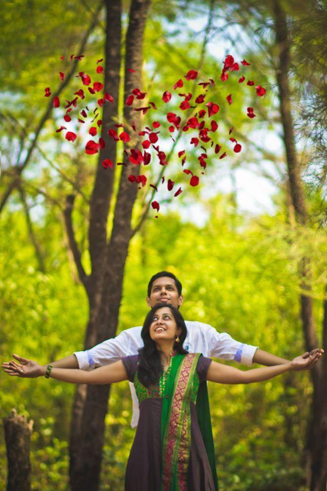 Outstanding shoot! Work by FreezeTheDream, Pune #weddingnet #wedding #india #indian #indianwedding #weddingdresses #groomsmen #bridesmaids #prewedding #photoshoot #photoset #hindu #heart #love #bestmoments