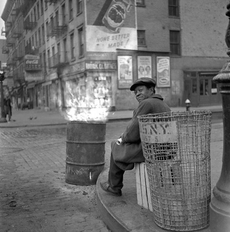 Photographs of Everyday Life in 1950s New-York City
