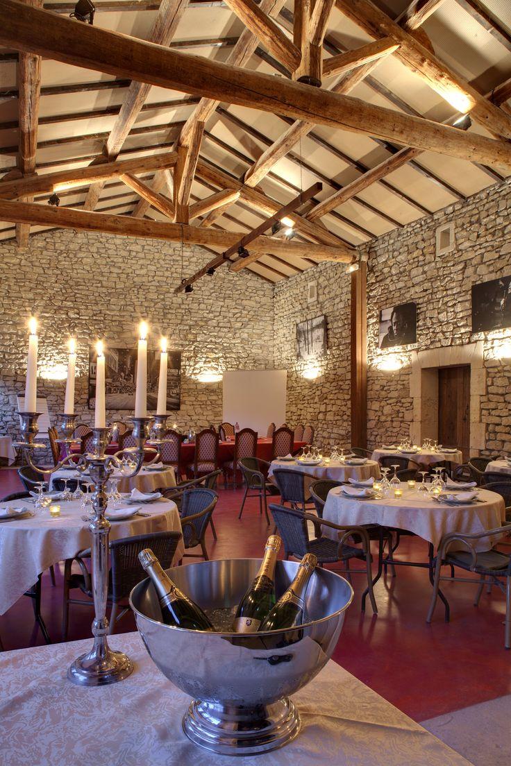 Reception in the Mas des Comtes de Provence - Jacqueline et Pierre
