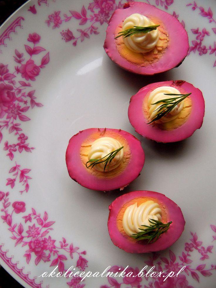 Różowe jajka jajka marynowane w burakach jak zrobić przepis