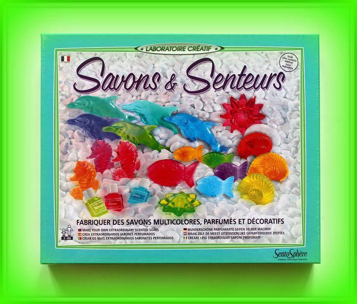 TWÓJ POMYSŁ NA PREZENT-  FABRYKA MYDEŁEK ZAPACHOWYCH  Fabryka mydełek zapachowych to  450g mydła, 10 foremek, 3 barwniki kosmetyczne, 2 zapachy, 5 pipetek i mnóstwo radości przy  własnoręcznej produkcji czy to nie wspaniały przepis na niepowtarzalny prezent? A może to właśnie samodzielnie zrobione mydełka mogą być oryginalnym podarunkiem?  Możliwość dokupienia dodatkowych składników i uzupełnienia zapasów.