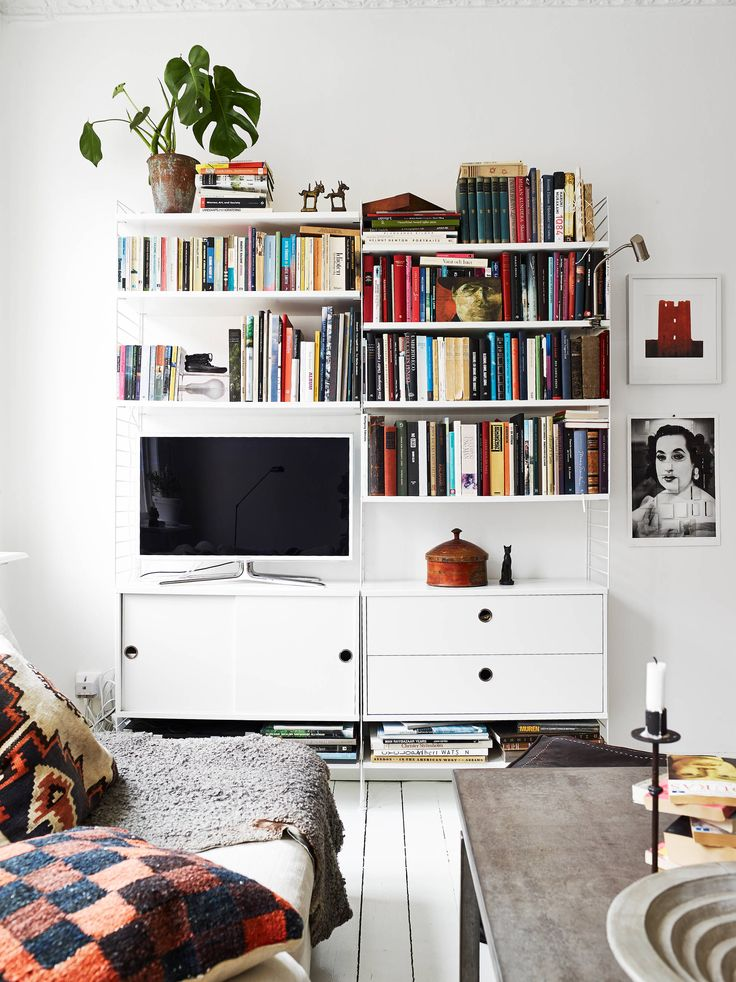 String and Tv together with books. Love this !!