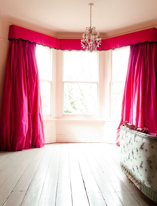 aren't they just gorgeous? #red curtains, #red-pink curtains