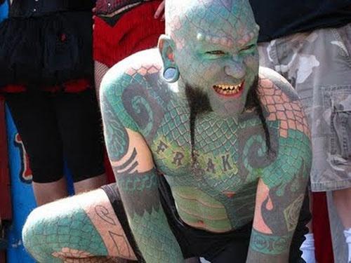 Visiter Zarrbi.com -  Top 10 des personnes les plus étranges du monde