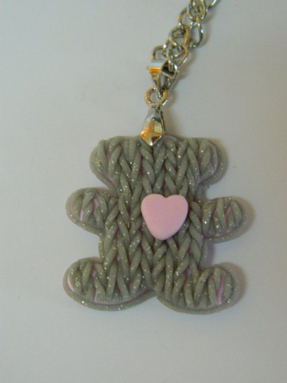 Оригинальный кулон в виде вязанного медведя с розовым от EVAMARE