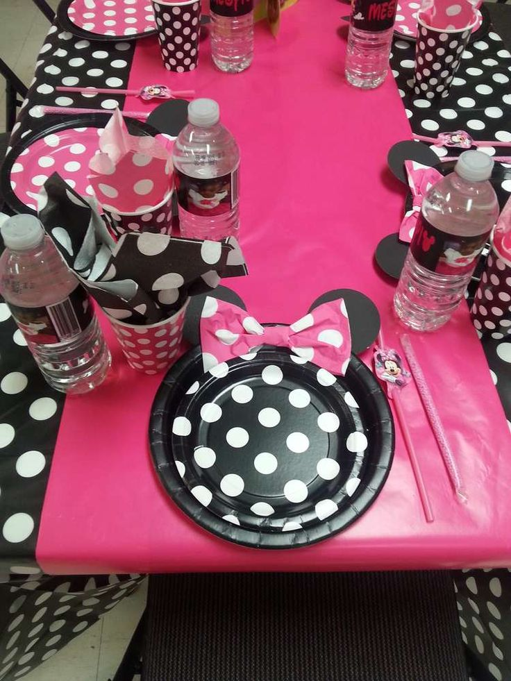 Pink Minnie Mouse Birthday Party table!  See more party planning ideas at CatchMyParty.com!