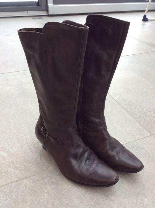 Mein Tolle Leder Stiefel in braun von Think / Gr. 37 / guter Zustand von Think!! Größe 37 für 25,00 €. Sieh´s dir an: http://www.kleiderkreisel.de/damenschuhe/stiefel/142528719-tolle-leder-stiefel-in-braun-von-think-gr-37-guter-zustand.