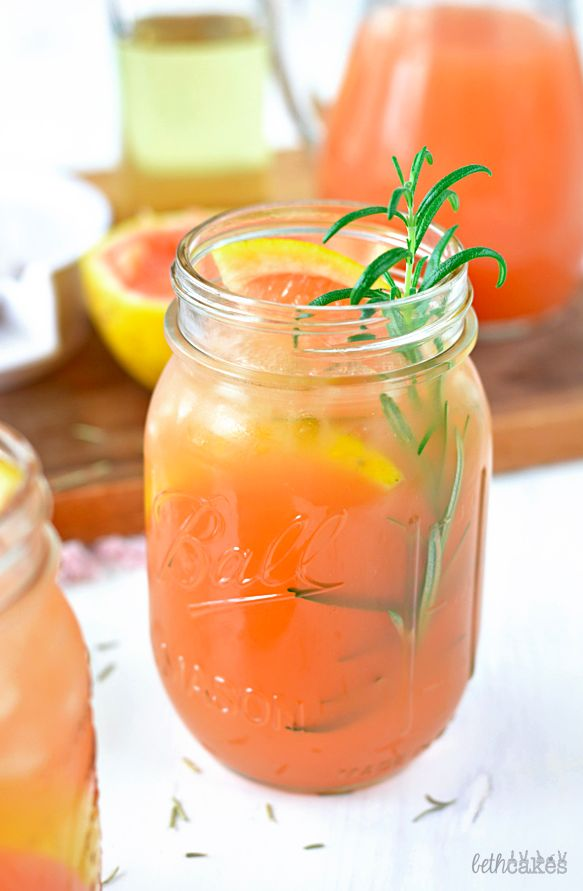 Rosemary Grapefruit Smash | 18 Summer Smash Drinks To Try