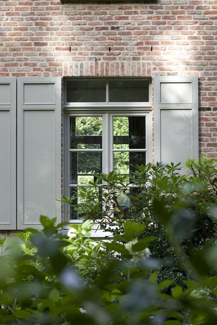 5 klassiek Du St.-Martens-Latem - uitvoering en ontwerp interieur: Elbeko | ontwerp exterieur: Dirk Van Vlieberghe