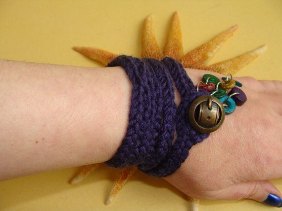 Crochet Wrap Charm Bracelet Mauve Color with Button Buckle and Wooden Accessories, for All Day Clothing, Modern Bracelet, Youthful Bracelet