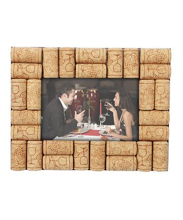 protect treasured photos with this cork frame that wine lovers are sure to appreciate - Wine Cork Picture Frame