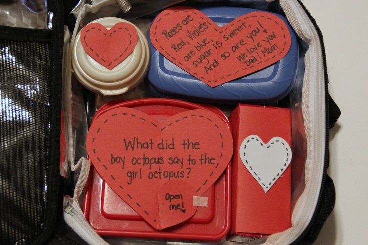 Lunch for little kids lunch boxes on Valentines Day! this website is amazing!
