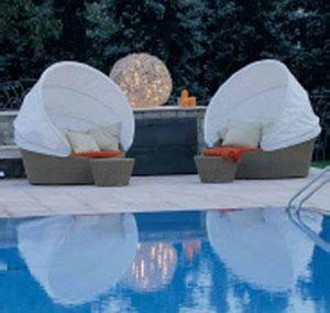 Sistemazione spazi esterni e creazione nuova piscina - Angolo relax - Carobbio degli Angeli (BG) Luglio 2006 - Fotografo Paolo Stroppa