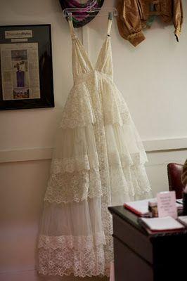 2000 Dollar Budget Wedding: Wedding Dress Makeover