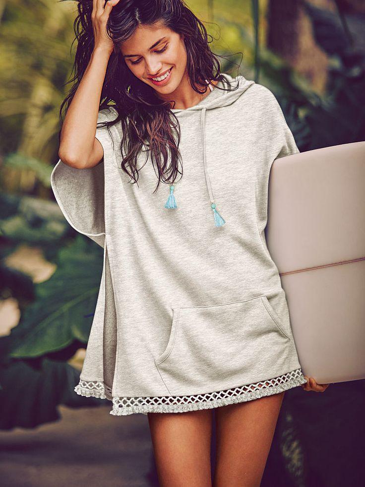 On veut un joli poncho casual Victoria's Secret pour traîner en vacances !