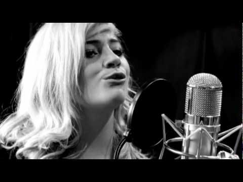 Pixie Lott - Mama Do (uh oh, uh oh) (Acoustic) - YouTube