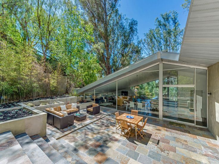 Harry Gesner's 1960 Triangle House Comes With a Little Guesthouse Replica of Itself - New to Market - Curbed LA