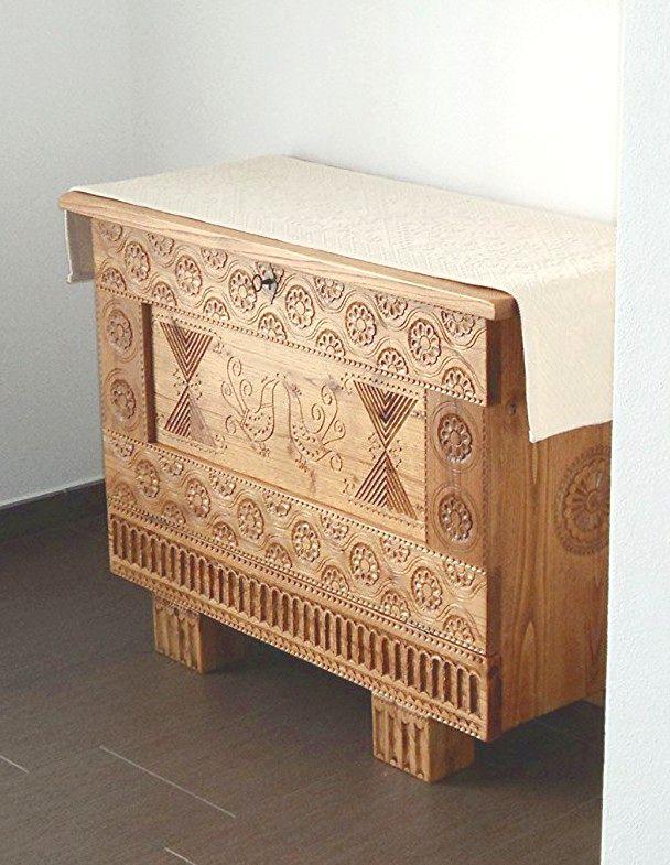 Cassapanca sarda, in legno massello di castagno. Fabio Podda, Nuoro. Artigianato sardo.