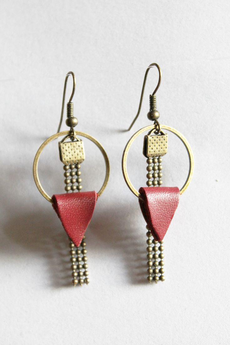 Boucle d'oreille laiton couleur bronze et cuir : Boucles d'oreille par made-by