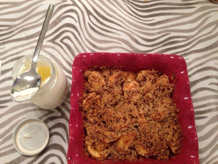 @Cookerfeed Crumble alle mele Il #crumbledimele di #Ruthreichl reinterpretato da me, con la chicca della #panna