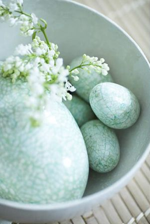 Gorgeous crackled eggs #Easter