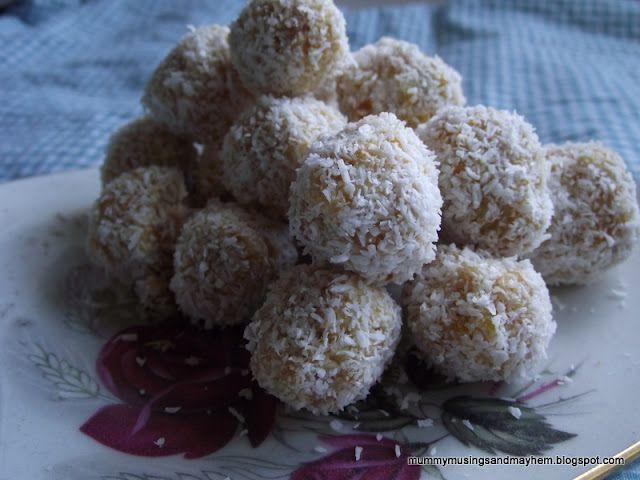 Toddler Fruit Balls...no sugar, tasty snacks for little hands!