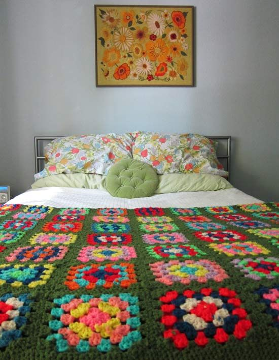 green granny square blanket in Lisa from lala fauxbois's house, guest posted on my girl thursday blog.