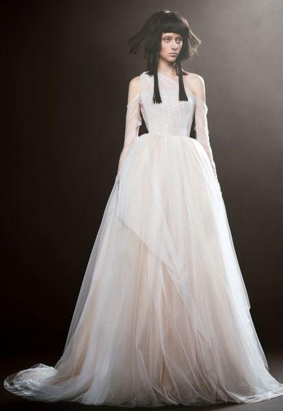 Robes de mariée Vera Wang 2018 : une collection atypique et totalement différente Image: 11